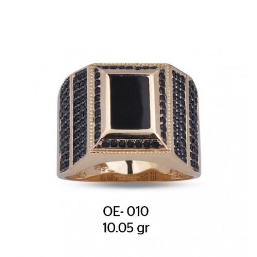Siyah Zirkon Taşlar Ortasında Mine Çerçeveli Altın Erkek Yüzüğü
