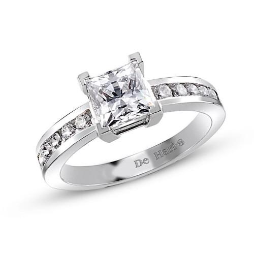Prenses Kesim Yan Taşlarla Süslenmiş  Tek Taşlı Tasarım Gümüş Yüzük